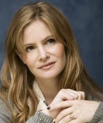 """Jennifer Jason Leigh: """"I ricordi di Emily riguardo sua madre stanno pian piano riaffiorando tutti"""""""